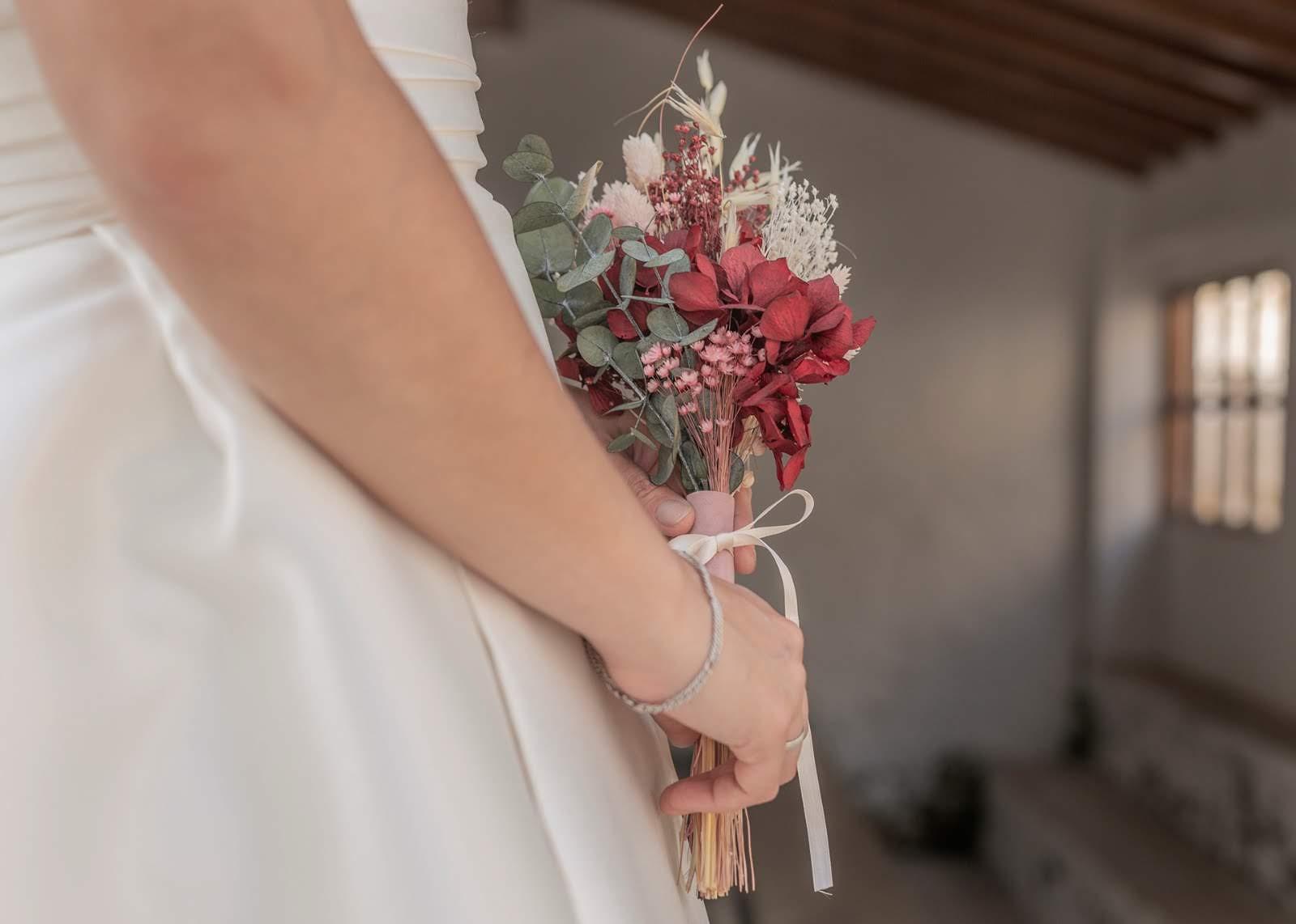 Ramo de novia con flores preservadas 03