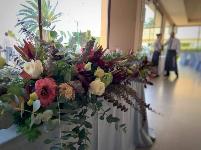 Centro de flores para salón de ceremonias