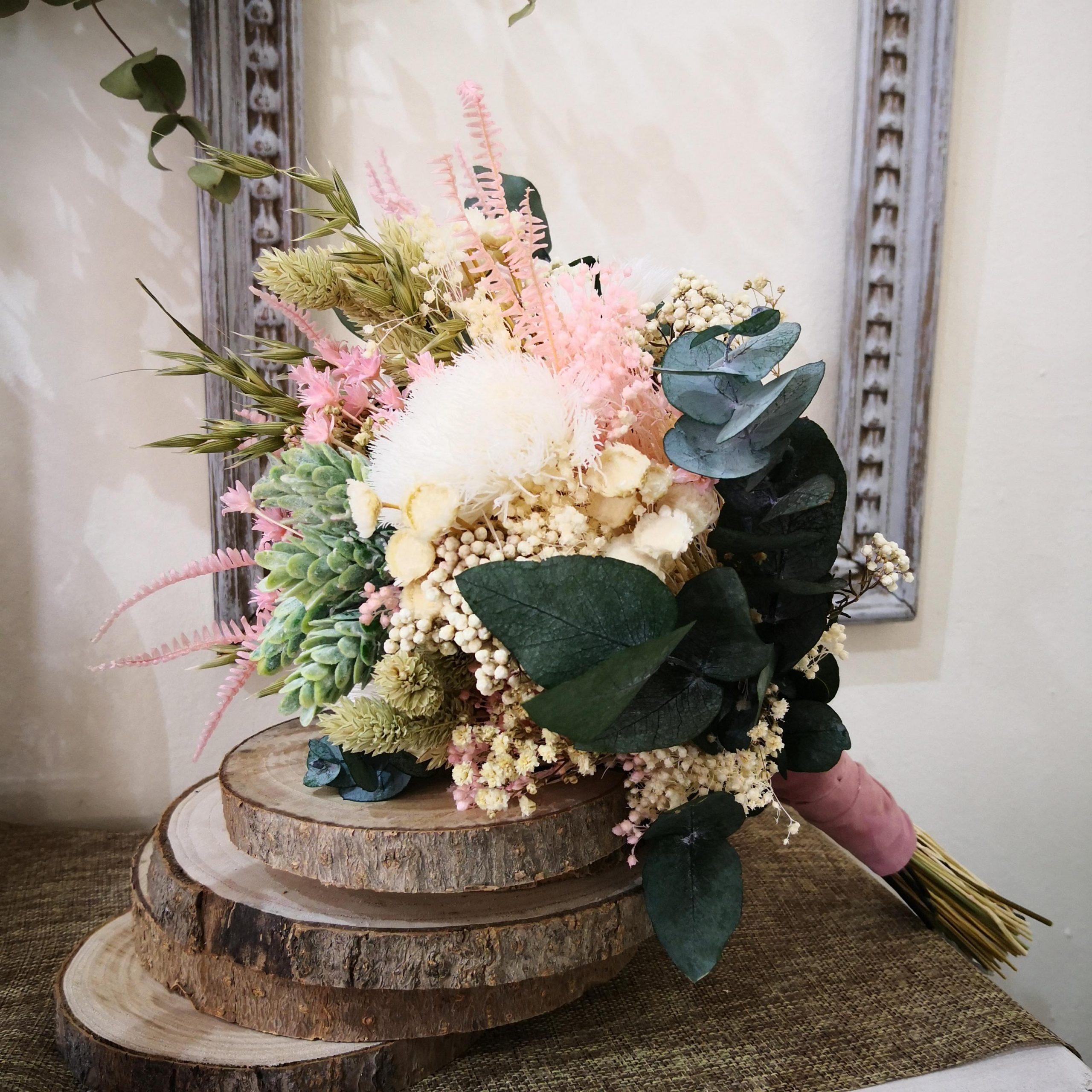 ramo de flores preservado para novia