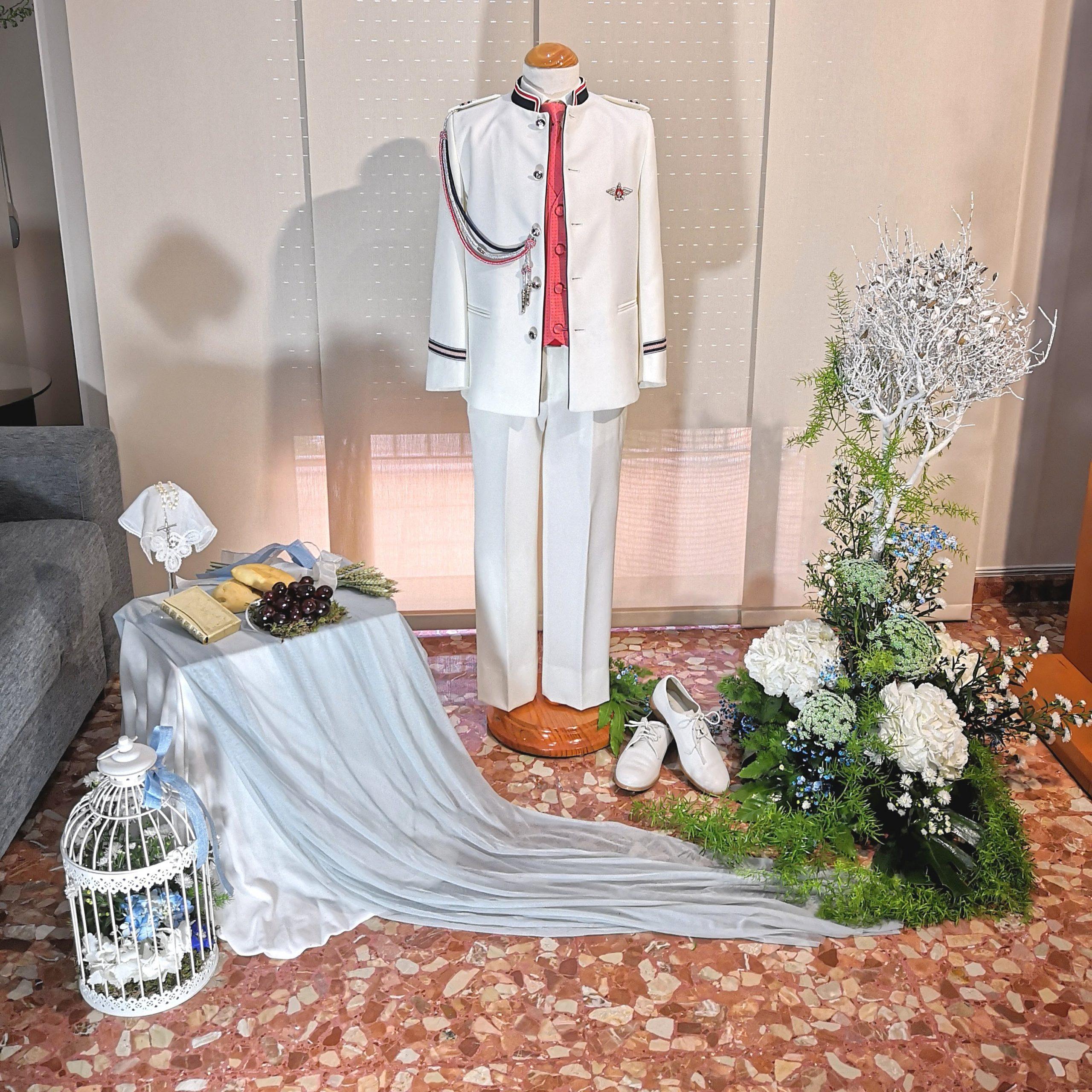 Decoración floral traje comunión niño