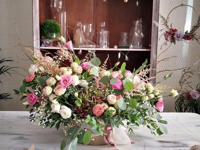 Centro de flores mesa novios